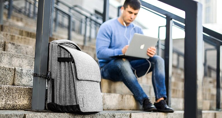 Pleatpack: a functional urban backpack and a successful startup project